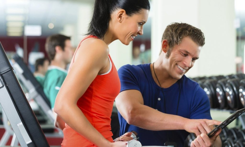 Three Ways To Keep Your Personal Training Clients Motivated (And Be Their Hero)!